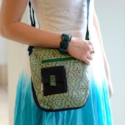 Vegan-friendly crossbody purse in khadi cotton and plant dyes.