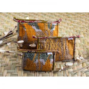 Toiletry bag 3pcs set in recycled saris with waterproof lining.