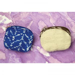 Small coin purse in vegan-friendly fabrics, natural dyes and khadi cotton.