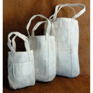 Custom eco-friendly packaging, gift bags.